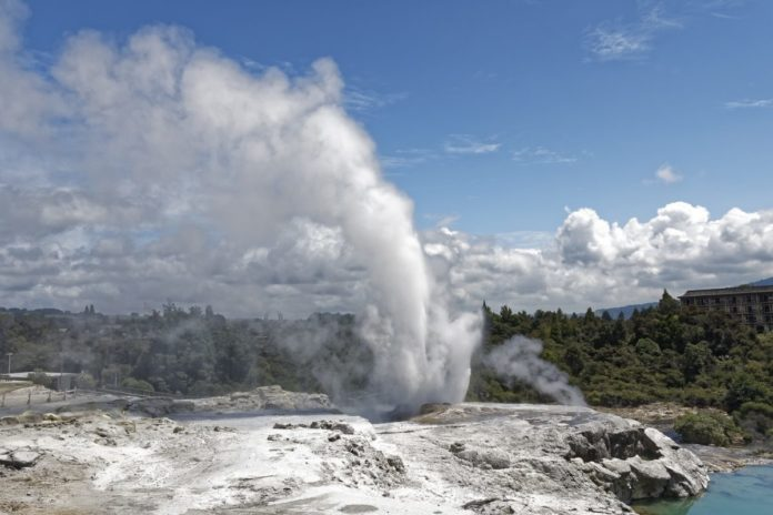 Experience Maori culture & see Pohutu Geyser by visitign Te Puia with discounted ticket