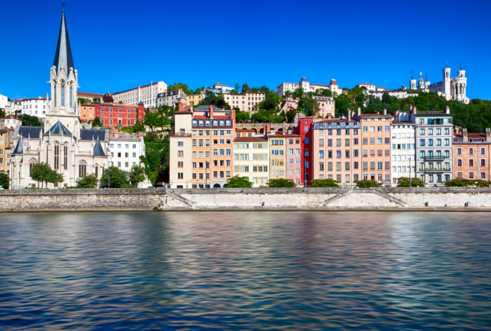 Enjoy wine tasting, food tours & sightseeing in Lyon France & save money with cheaper rates for hotels