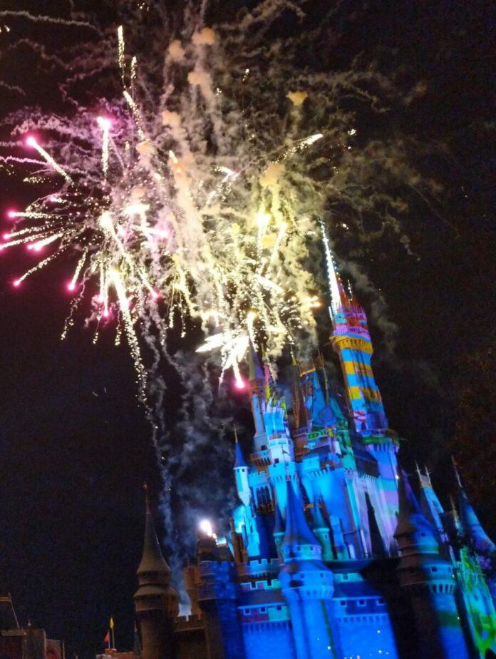 Disney World Fireworks Return 2021 Magic Kingdom Cinderella Castle