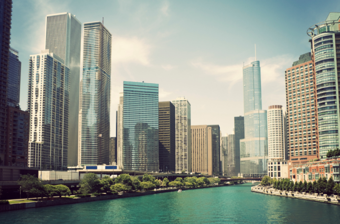 Discounted price for Chicago fireboat tour including historical, architectual, fireworks