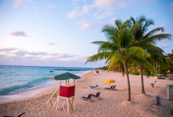 Best Jamaica beach hotels in Ocho Rios, Port Antonio, Montego Bay, Runaway Bay, Negril, etc.