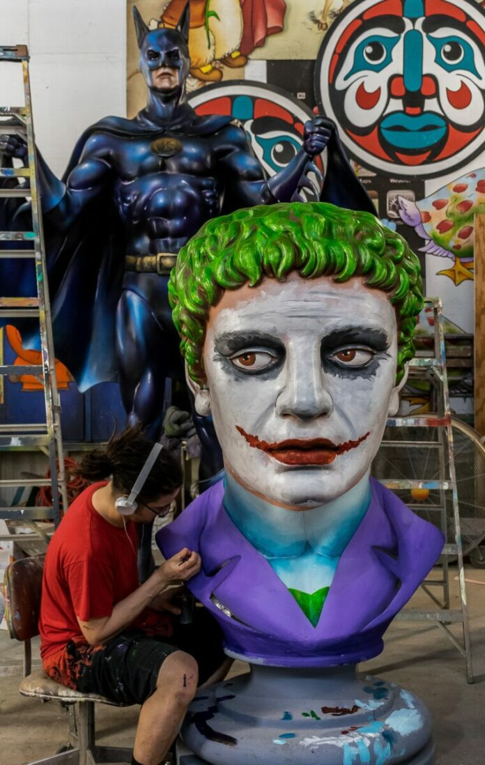 Discount ticket, 46% off Mardi Gras World tour in New Orleans, Louisiana