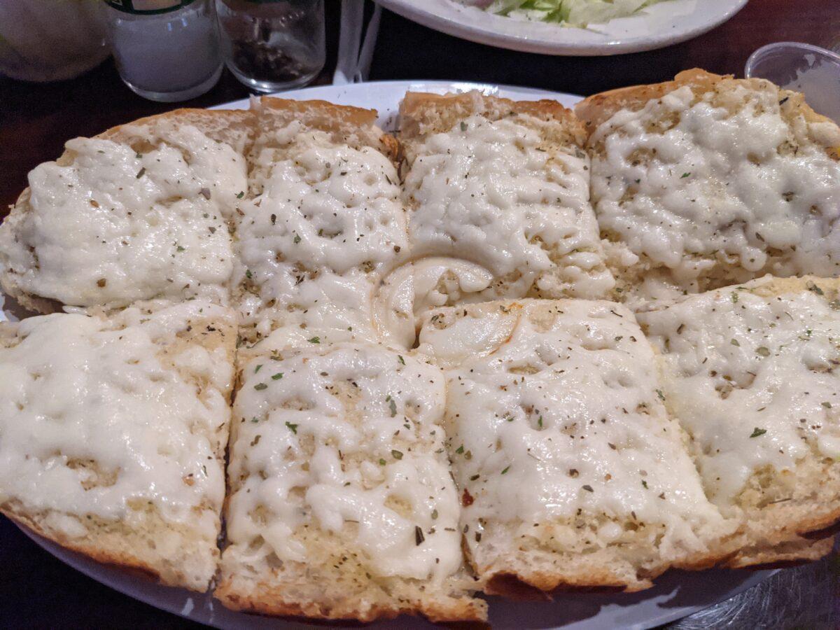 Milano's Italian Restaurant Pizza and Bar in Jacksonville Beach, Florida has great cheesy garlic bread