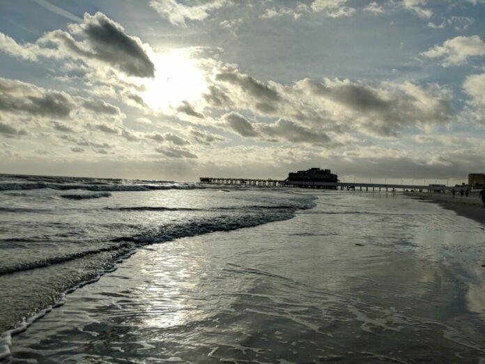 Save up to 52% on Daytona Beach hotels