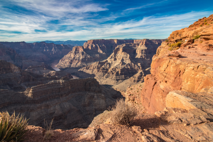 Save money with Grand Canyon West summer vacation packages