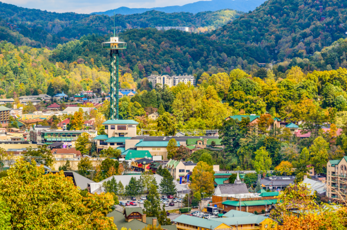 Save money on Titantic, whitewater raftings, Anakeesta & other top Pigeon Forge & Gatlinburg attractions with a Smoky Mountains Flex Pass