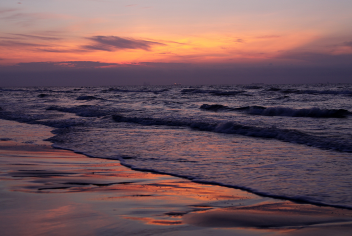 Up to 70% off Texas beach hotels in Montgomery, Port Aransas, South Padre Island, Galveston, Corpus Christi, etc.