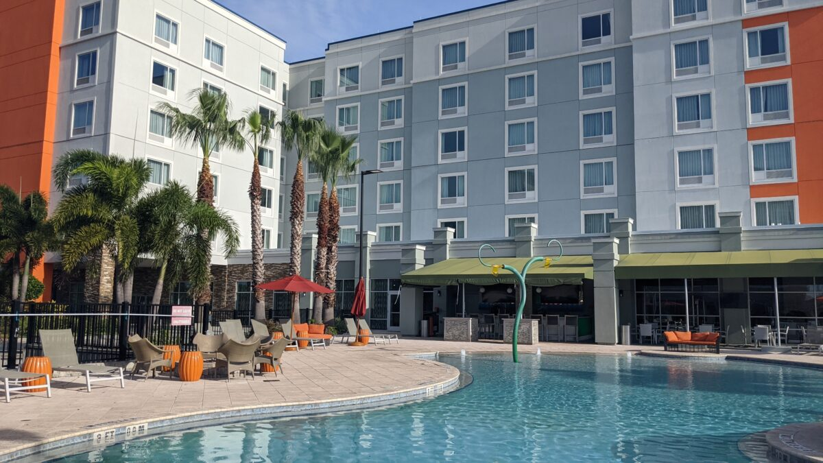 10 reasons why TownPlace Suites Orlando at SeaWorld is a great hotel for families planning a vacation in Orlando, Florida