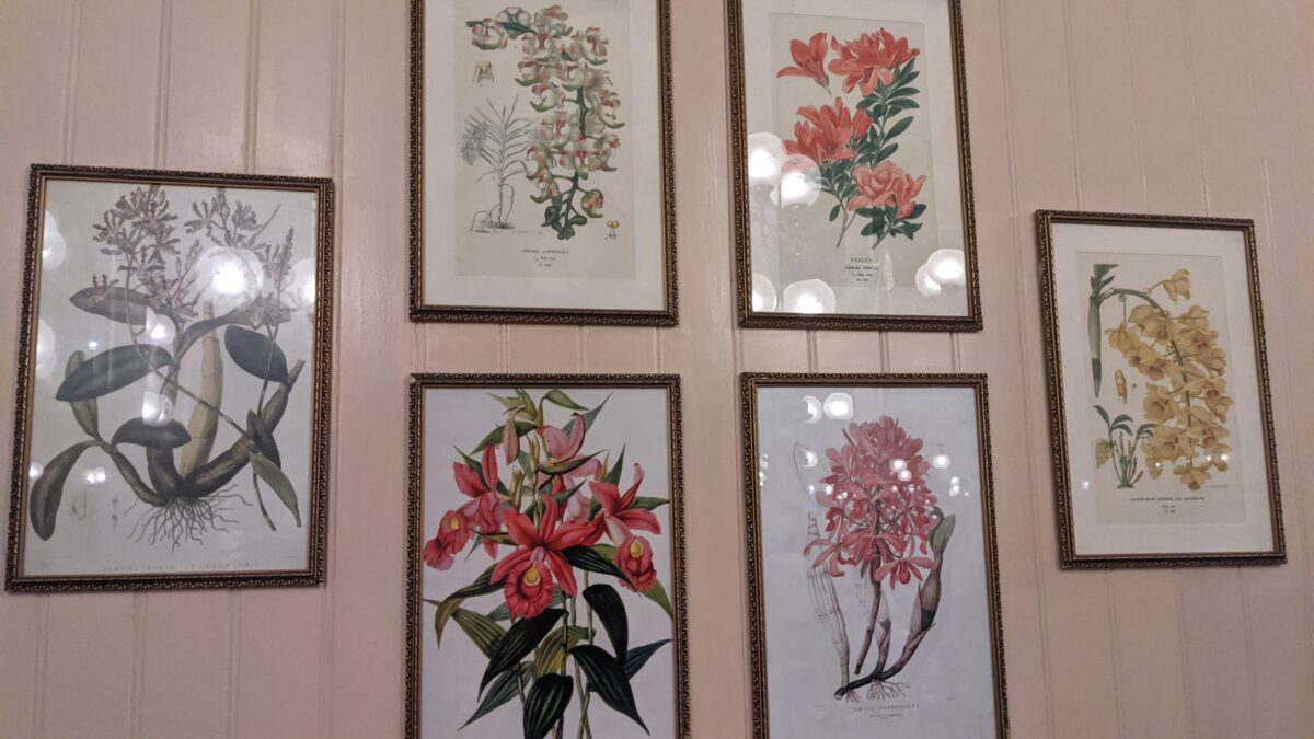 Crystal Palace at Disney World has great decor like these paintings of flowers