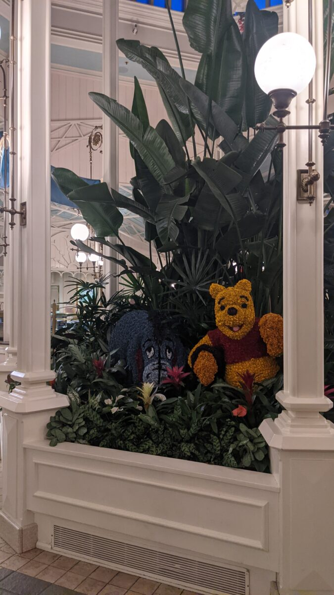 Crystal Palace restaurant at Magic Kingdom in WDW has great decor like these Winnie the Pooh & Eeyore topiaries