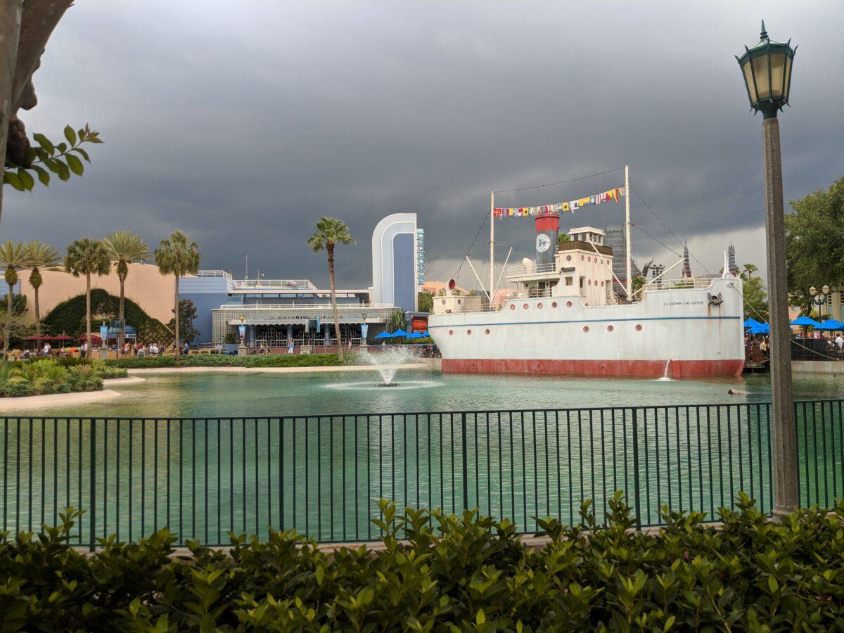 Dockside Diner Boat Shaped Restaurant on Echo Lake in Orlando