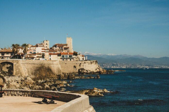 Cannes, Antibes, Saint-Paul de Vence French Riviera tour discount price