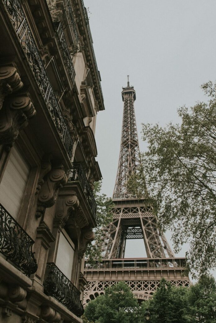 Enter Le Grand Courtage - Win a Trip To Paris Sweepstakes for a free France vacation