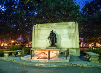 Philadelphia guided ghost tour see Tomb of the Unknown Soldier, Square, learn history
