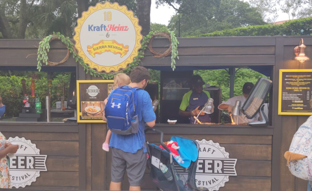 Get shrimp, fried chicken, macaroni & cheese at the Kraft Heinz Sierra Brewing section of the SeaWorld Craft Beer Festival in Orlando, FL