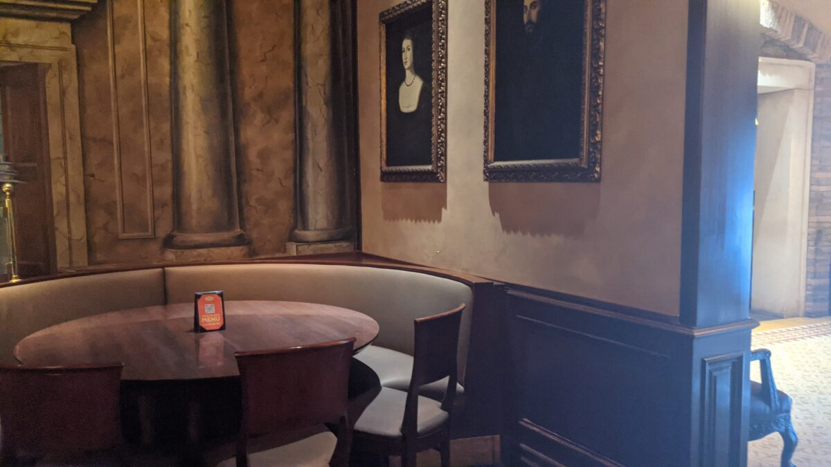 I love the artwork and atmosphere of Tutto Italia at the Walt Disney World Resort
