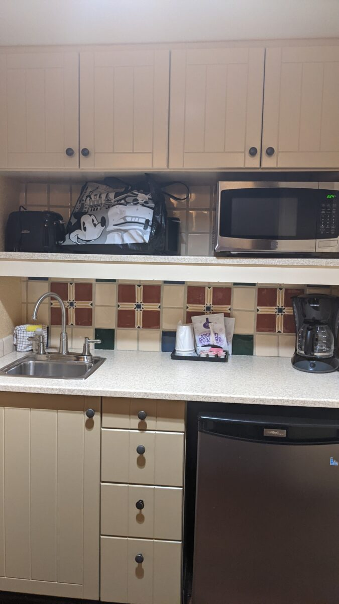 A picture of the full kitchen at a Boulder Ridge DVC villa in Orlando, Florida