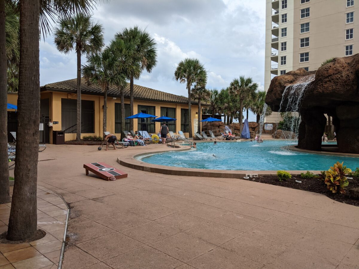 Tips on how to save money at Hampton Inn Jacksonville Beach/Oceanfront in Florida