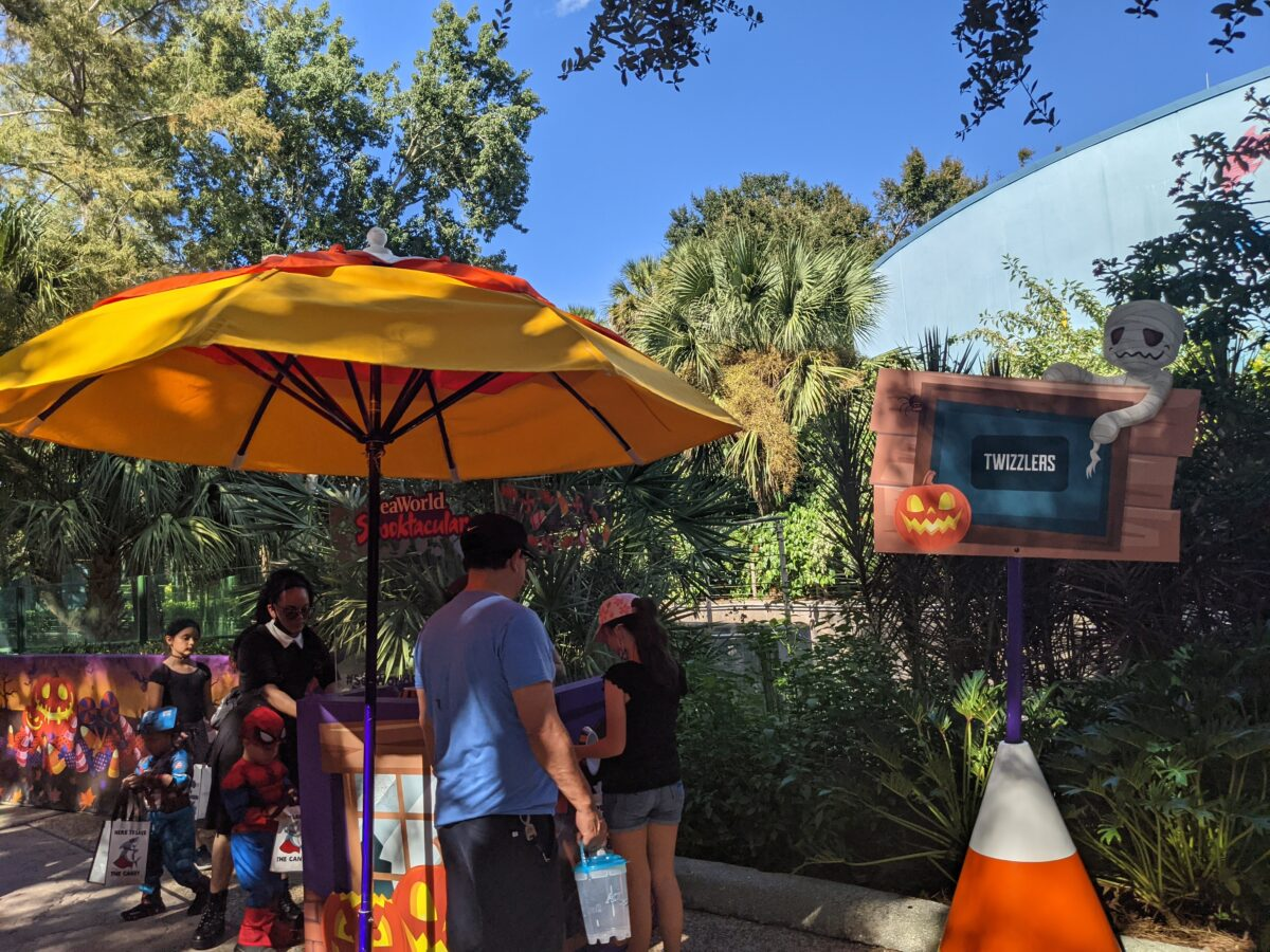 Reusable Halloween trick-or-treating bags are required at the SeaWorld Spooktacular event