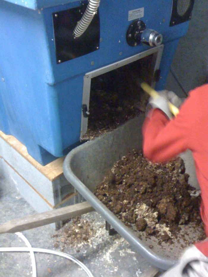 Does a Composting Toilet Stink Up Your House? - GreenBuildingAdvisor