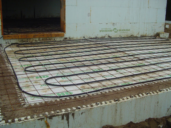 Goodbye radiant floor greenbuildingadvisor radiant floor heating systems dont make much sense for superinsulated passivhaus buildings which are often heated by a few ductless minisplit units solutioingenieria Choice Image