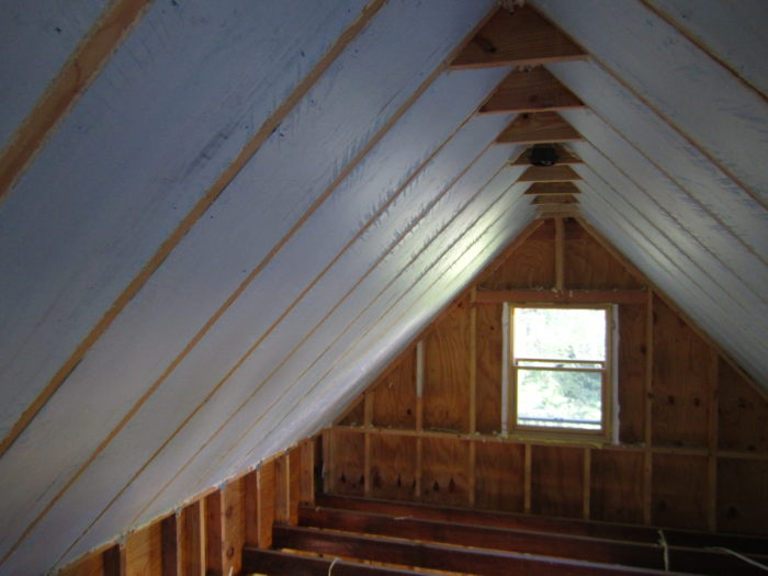 Is poly vapor barrier needed under blue foam in cathedral ...