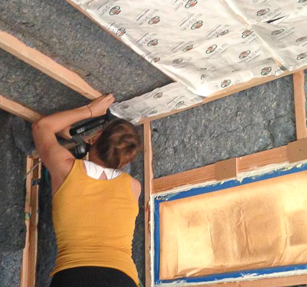 Photo showing insulation and phase-change material in the ceiling