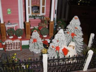Beacon Hill Garden at Christmas