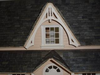 Puzzle house (half scale) - apex trim