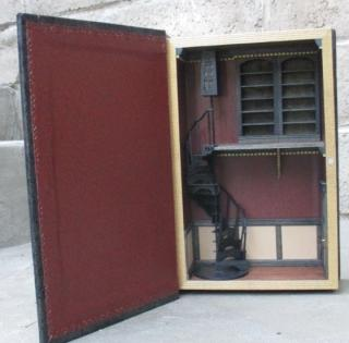 Book roombox (half scale)