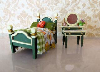 1:48 scale bed and dresser