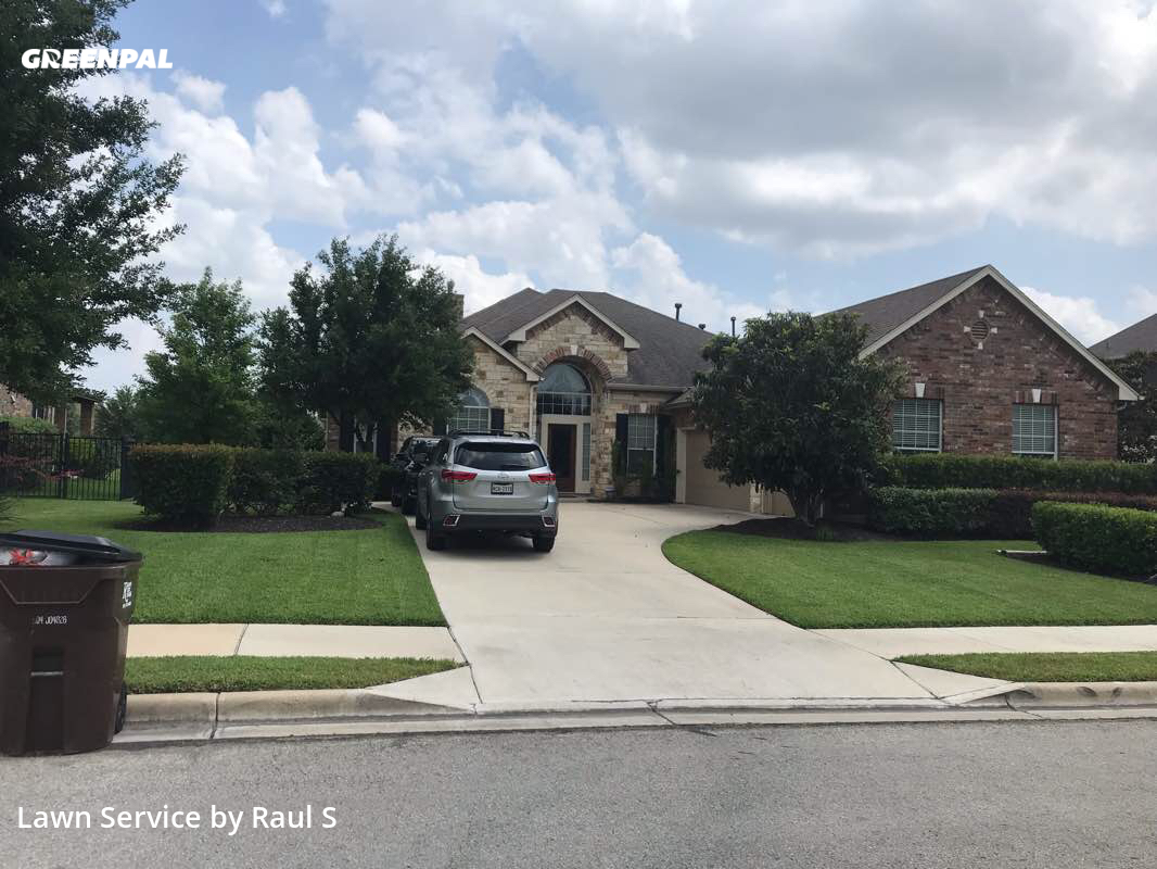 Lawn Cuttingin Round Rock,78665,Lawn Service by Raul's Lawn Care And, work completed in Aug , 2020