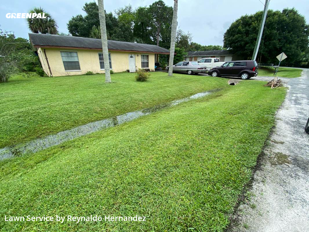 Lawn Mowingin Fort Pierce,34981,Lawn Care Service by Friendly Landscaping, work completed in Sep , 2020