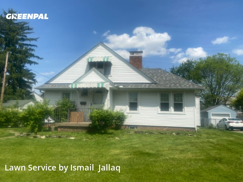 Lawn Care Servicein Columbus,43204,Grass Cut by Mj's Seasonal , work completed in Aug , 2020