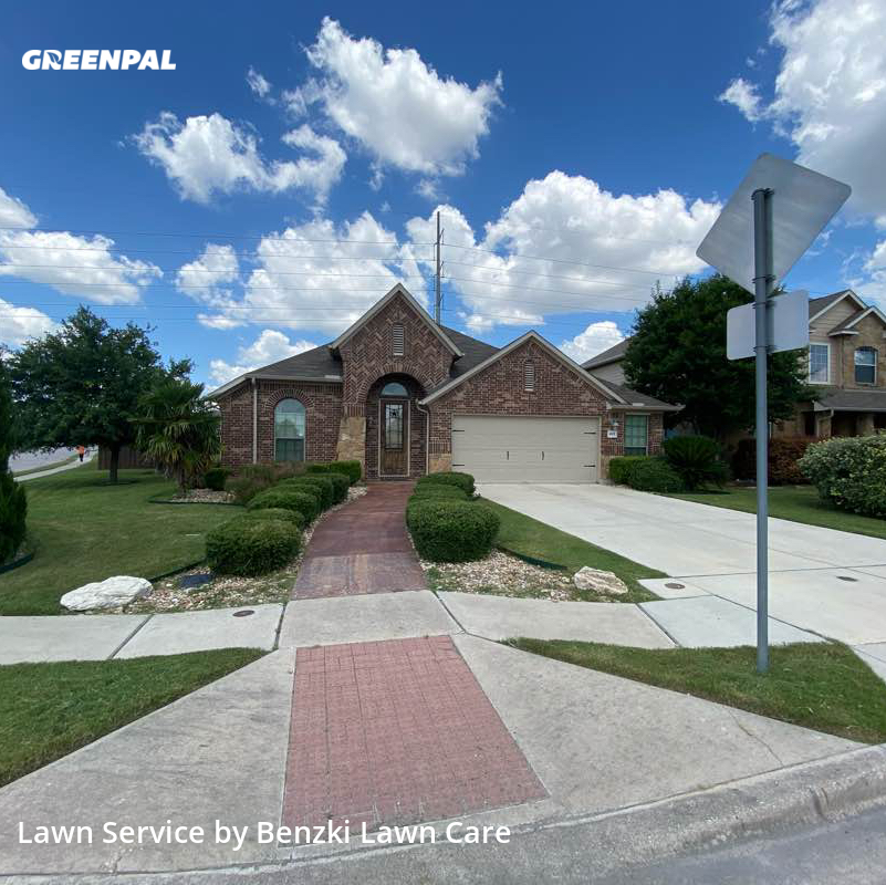 Lawn Cuttingin Hutto,78634,Yard Mowing by Benzki Lawn Care, work completed in Sep , 2020