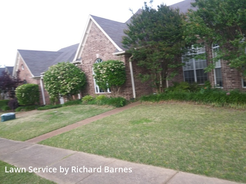 Lawn Carein Collierville,38017,Lawn Mow by Richard Barnes, work completed in Oct , 2020