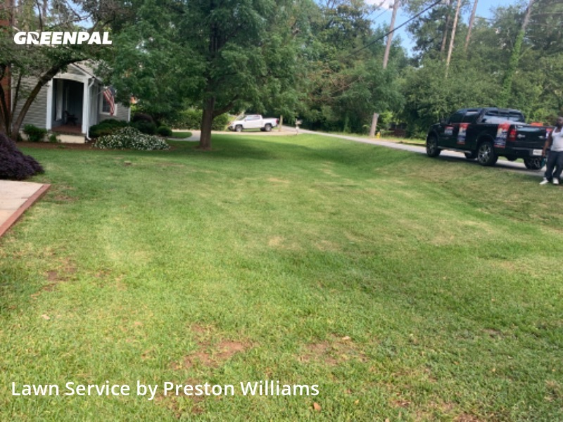 Grass Cutin Macon,31204,Lawn Mowing Service by Oh Stick Lawn Svcs, work completed in Aug , 2020