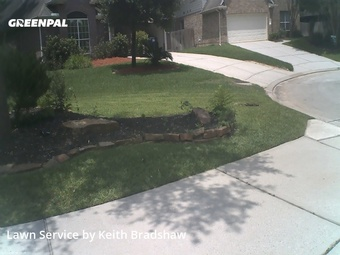 Lawn Maintenancein The Woodlands,77382,Grass Cutting by Clean Lawn Services, work completed in May , 2020