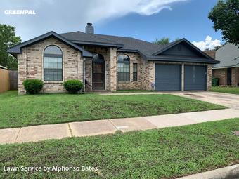 Lawn Mowin Arlington,76018,Lawn Mow by Absolute Best, work completed in May , 2020