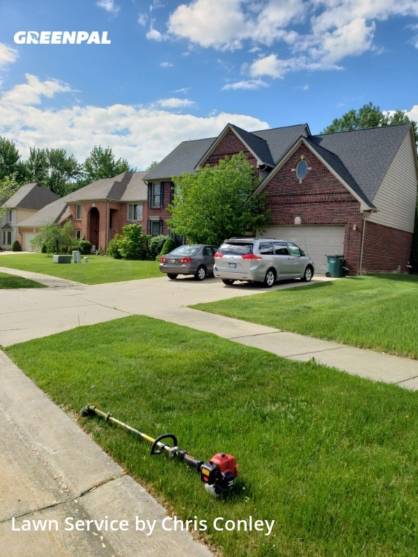 Lawn Mowing Servicein Troy,48083,Lawn Care by Marie Maintenance, work completed in Aug , 2020