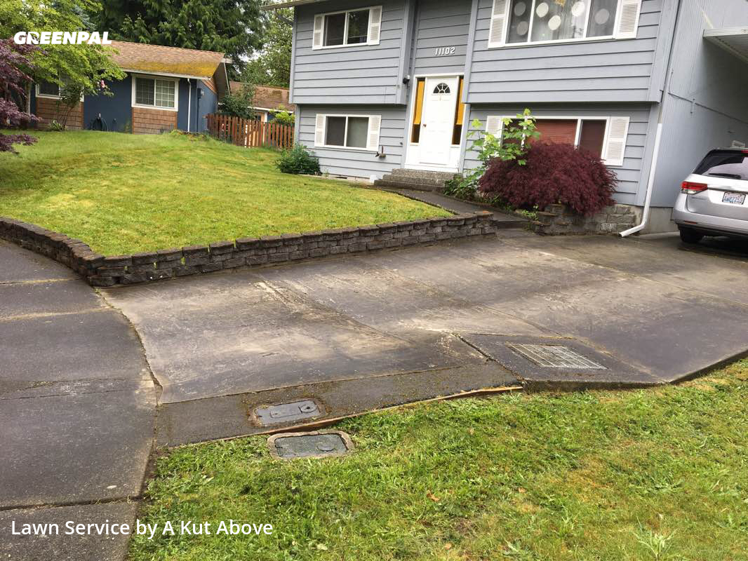 Grass Cutin Redmond,98052,Lawn Care Service by A Kut Above , work completed in Aug , 2020