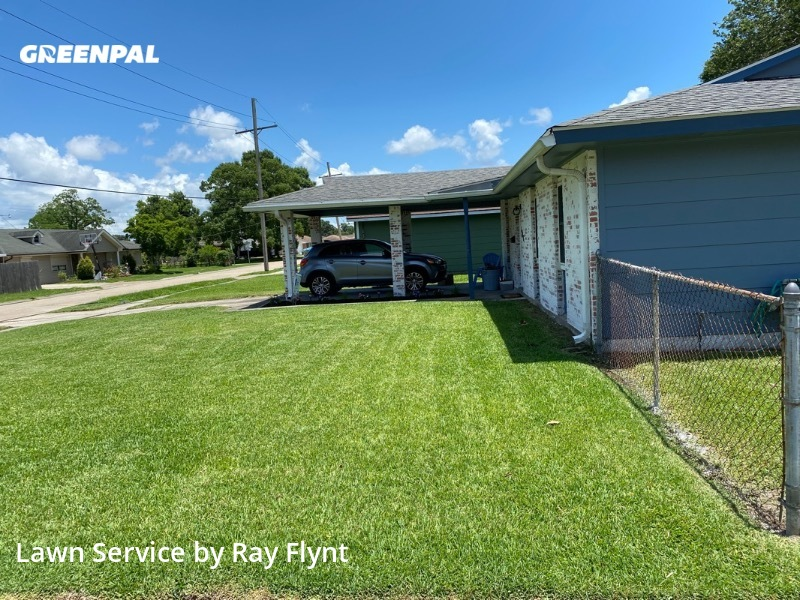 Lawn Carein Marrero,70072,Lawn Cut by Rays Lawn Care, work completed in Aug , 2020