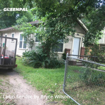 Lawn Carein Houston,77008,Yard Cutting by Wilson's Lawn Care, work completed in May , 2020
