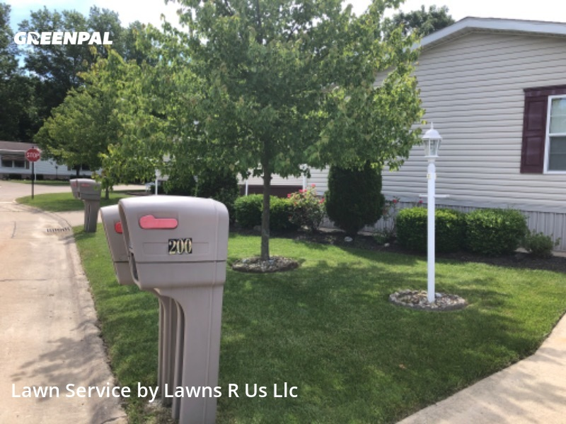 Lawn Maintenancein Elyria,44035,Lawn Care Service by Lawns R Us Llc, work completed in Oct , 2020