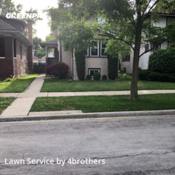 Lawn Care Servicein Oak Park,60302,Lawn Mowing by 4brothers, work completed in Jul , 2020