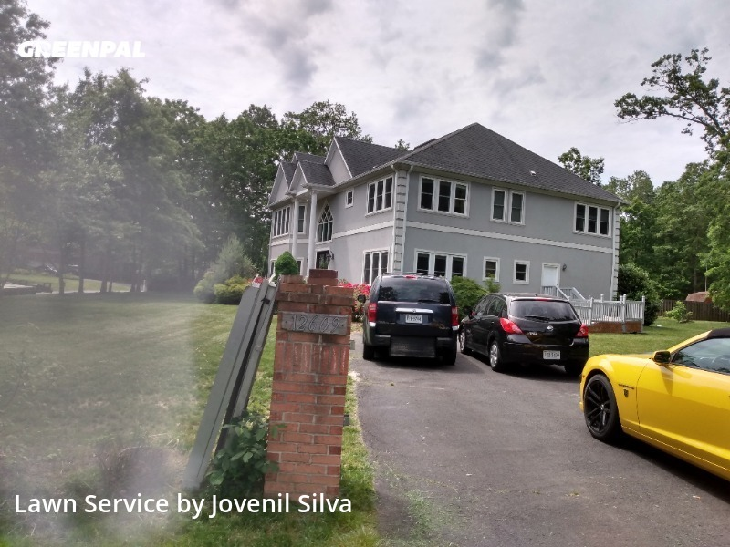 Lawn Mowing Servicein Centreville,20124,Lawn Service by Silva Garden, work completed in Jul , 2020