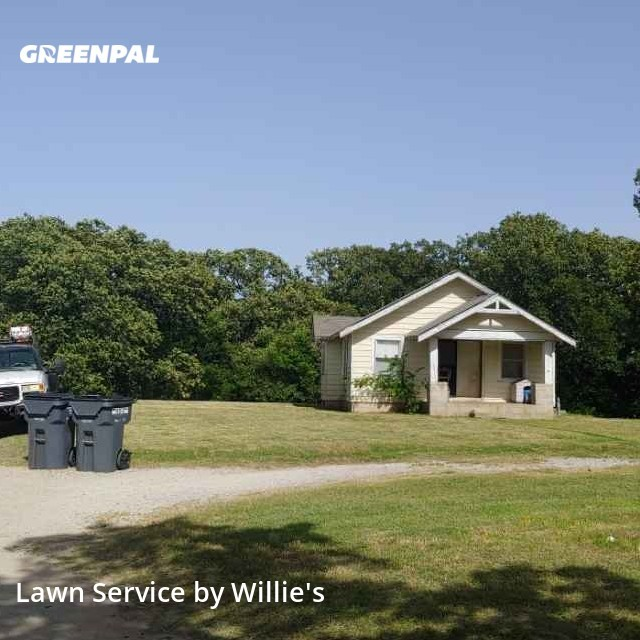 Lawn Mowingin Sapulpa,74066,Lawn Maintenance by Willie's , work completed in Aug , 2020
