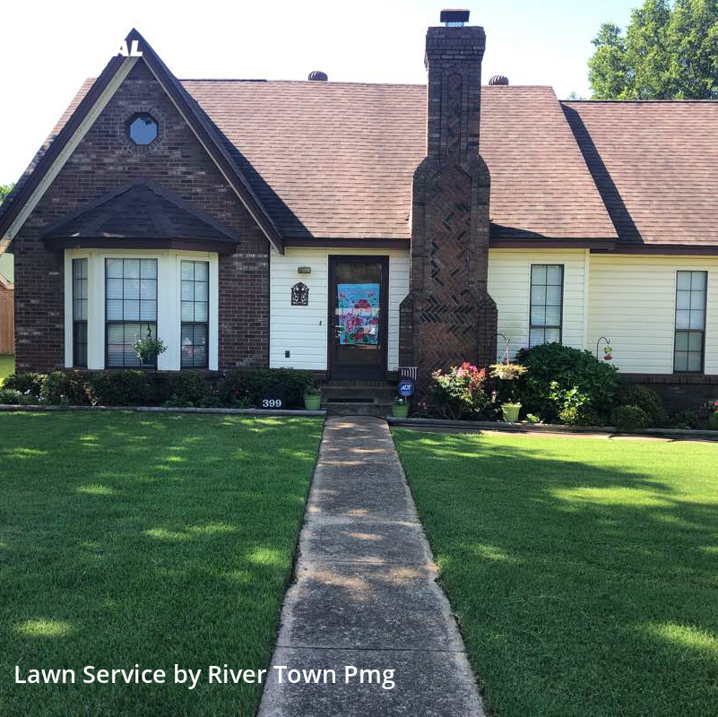 Grass Cutin Southaven,38671,Lawn Mowing Service by River Town Pmg, work completed in Jul , 2020