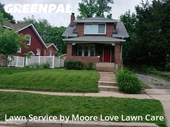 Yard Mowing nearby Richmond Heights, MO, 63117