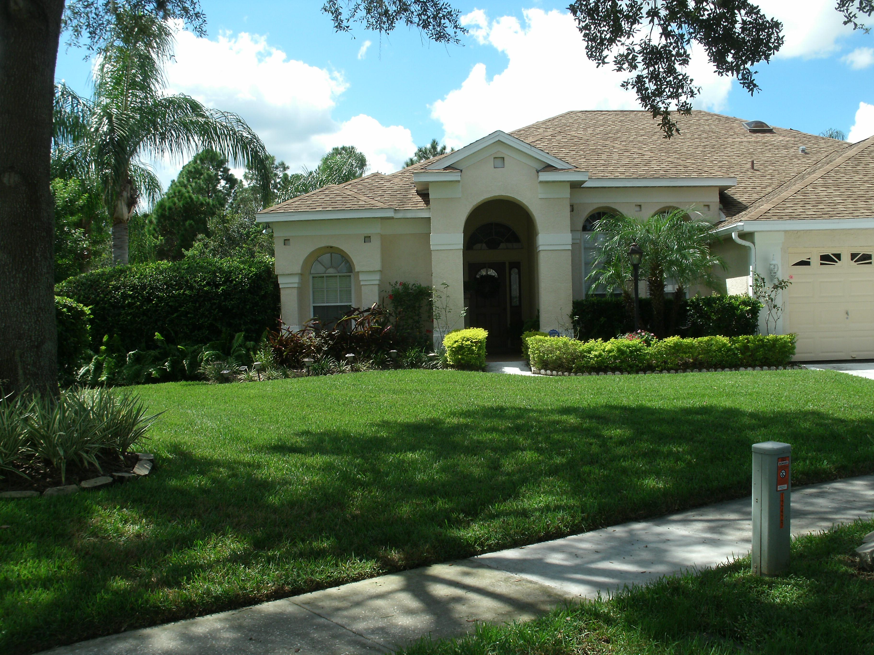 Yard mowing company in Tampa, FL, 33613